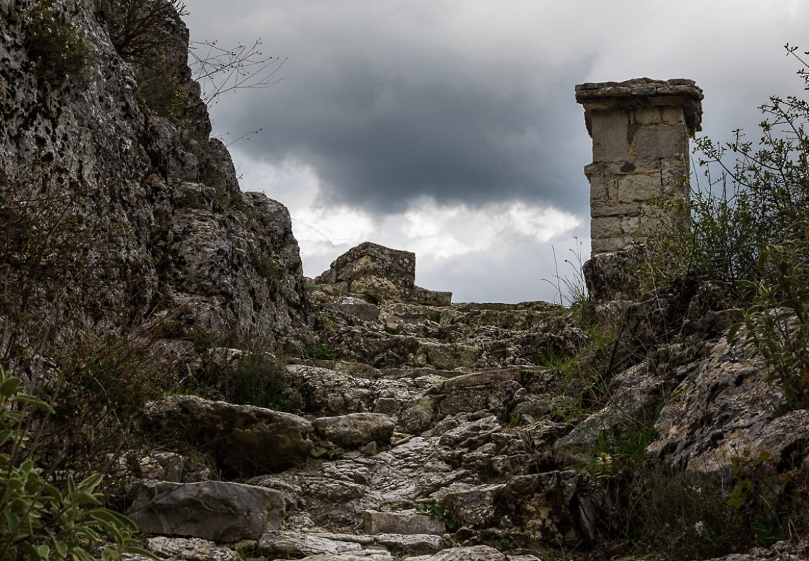 Vikos Gorge Hike path 2