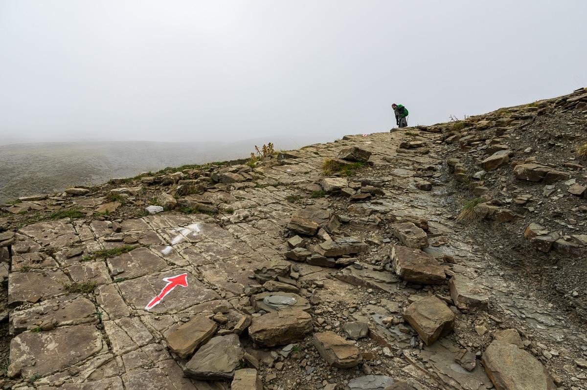 Mt Tymfi: hiking to Tsepelovo trail signs
