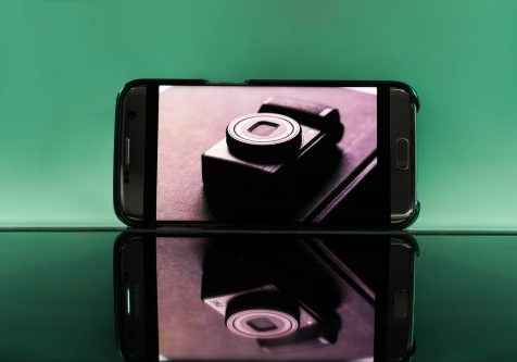 PHONE VS CAMERA